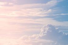 空と大きな雲
