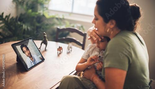 Fototapeta Online consultation with doctor obraz