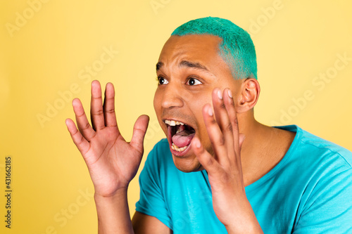 Black african man in casual on yellow background shouting out loud with wide ope Tapéta, Fotótapéta