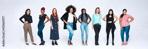Fototapeta Diverse group of woman obraz
