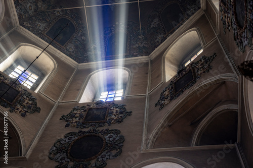 Fotografie, Obraz divine light in a Christian temple in the early morning of Easter day