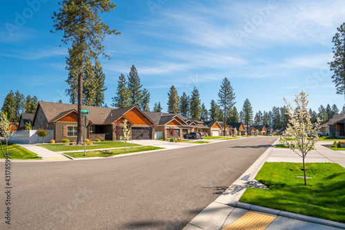 Obraz na plátně A neighborhood of new homes in a suburban community in the rural town of Coeur d'Alene, Idaho, USA