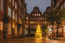 Germany, Hamburg, Christmas Tree On Peterstrasse In Composers Quarter
