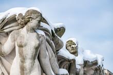 Sculpture  ''La Jeunesse'' By Pierre Poisson (1937) At The Jardins Du Trocadéro, Paris, France