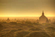 The Sun Rises Across The 2000  Temples And Pagodas At Bagan In The Country Of Burma (Myanmar)