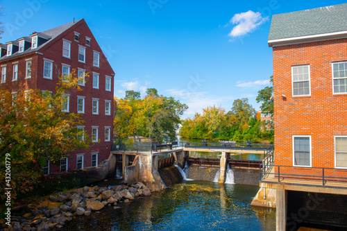 Fényképezés Busiel Seeburg Mill on Opechee Bay Reservoir at 1 Mill Plaza in city of Laconia, New Hampshire NH, USA