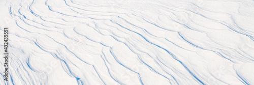 Obraz na plátně Beautiful winter background with snowy ground