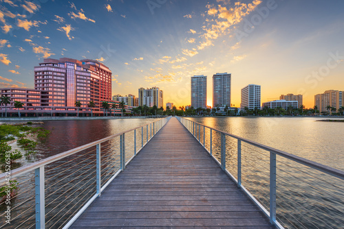 Fotografering West Palm Beach, Florida, USA Downtown Skyline on the Intracoastal