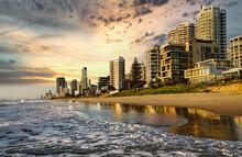 Surfers Paradise Australia Sunrise Beach Scenes