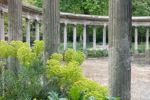 Foto Colonnades et Naumachie du parc Monceau