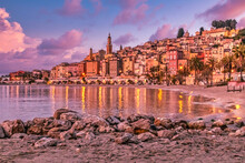 Heure Bleue Et Soleil Couchant Sur La Riviera à Menton