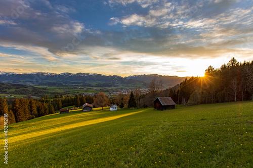 Foto Allgäu - Sonnenuntergang - Frühling - Kapelle - Alpen