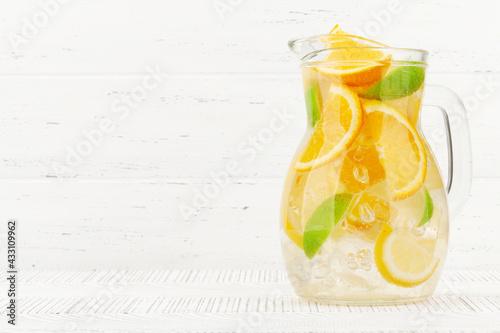 Obraz Fresh lemonade glass pitcher - fototapety do salonu