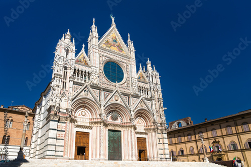 Naklejka premium The Cathedral of Siena in Tuscany, Italy