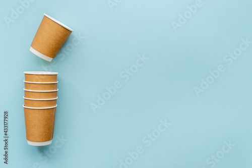 Obraz Layout of coffee paper cups. Overhead view - fototapety do salonu