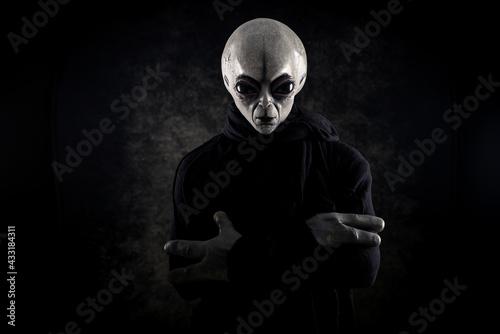 Alien creature has a message for humans Fototapete