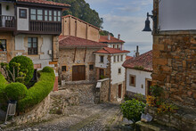Lastres, (Llastres). Picturesque Town Belonging To The Council Of Colunga In Asturias (Asturies). Beautiful Town With A Great Seafaring Tradition.