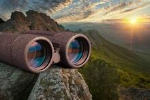 Binocular.