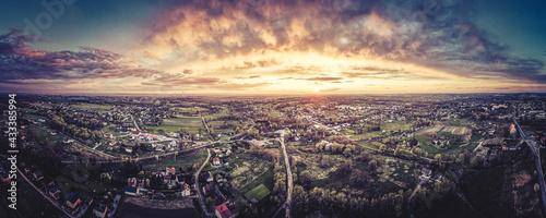 Zachód słońca z lotu ptaka na Górnym Śląsku, Jastrzębie Zdrój - fototapety na wymiar