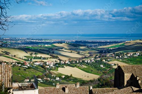 Włochy, pola i morze - fototapety na wymiar