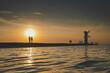 Zachód słońca nad brzegiem morza