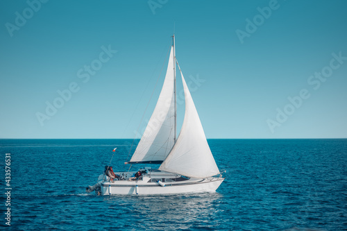 Carta da parati Regatta sailing ship yachts with white sails at opened sea