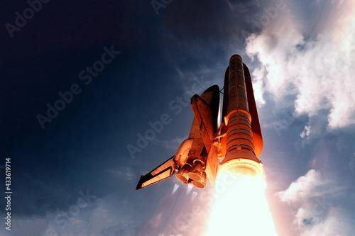 Fotografia, Obraz Rocket launch from below, into the sky