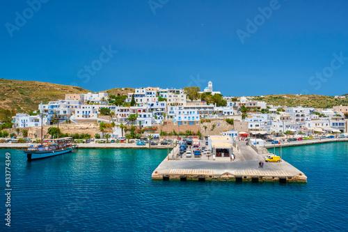 Adamantas Adamas harbor town of Milos island, Greece Fototapet