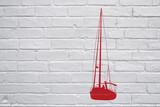 Street art. Bateau rouge