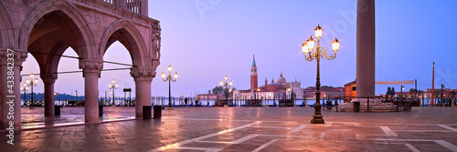 Fotografia Banner, San Marco square at night, early morning