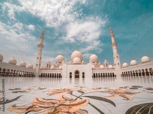 Obraz na plátně Sheikh Zayed's Mosque