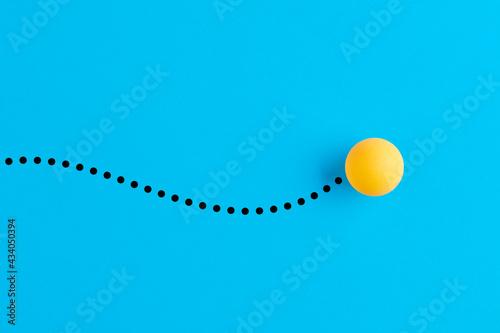 Fotografia Table tennis ball in motion.