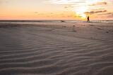 Fototapeta Fototapety z morzem do Twojej sypialni - Morze bałtyckie plaża zachód słóńca