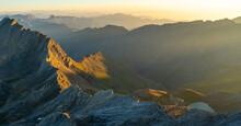 Sunrise Lightening Mountain Rang