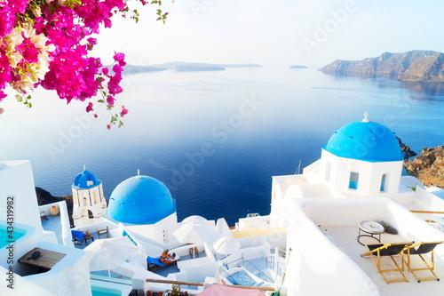 Tableau sur Toile white belfries Santorini island, Greece