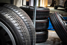 New Modern Car Sport Rims And Tyres