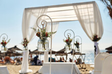 Wedding The Elegant On The Beach, Decoration Of The Details Of The Link Of Lovers
