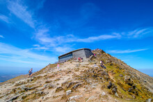21/04/2019 Snowdon , Wales ,UK. View Of The Snowdon Mountain ,cafe And Visitor Centre At The Summit Of Mount Snowdon ,Snowdonia National Park, Wales