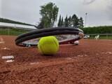 Fototapeta Kawa jest smaczna - Close-up Of Tennis Ball On Field