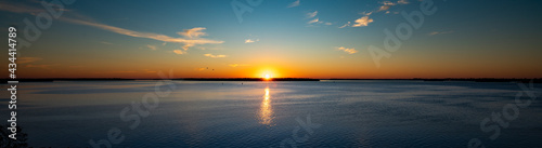 Fotografie, Obraz sunset over the river