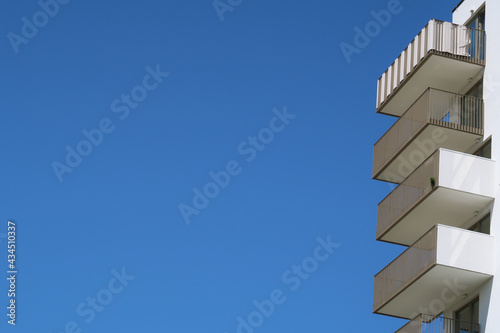 Fotografia bright balconies with space for text and blue sky