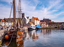 Alter Hafen Von Wismar In Mecklenburg-Vorpommern An Der Ostsee