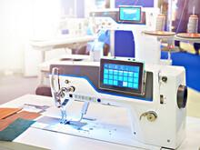 Industrial Sewing Machine For Medium Fabrics