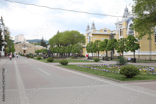 Canvas Main boulevard in the city Kislovodsk.