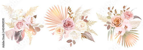Canvastavla Trendy dried palm leaves, blush pink and rust rose, pale protea, white ranunculu