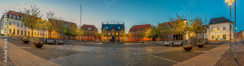 Canvas Print The city hall and square in Frederikssund at night