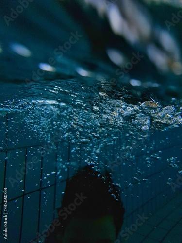 Zanurzenie na basenie