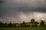 Fototapeta Tęcza - Deszcz się zbliża