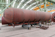 Manufacturing Of The Welded Steel Transportable Pressure Vessel Constructed As A Horizontal Cylinder With Domed Ends.