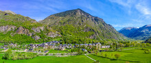 """Barruera, The Old Vallis-Orcera (in Castilian, """"Valley Of The Bears""""), Is The Head Of The Municipality Of Valle De Bohi"""